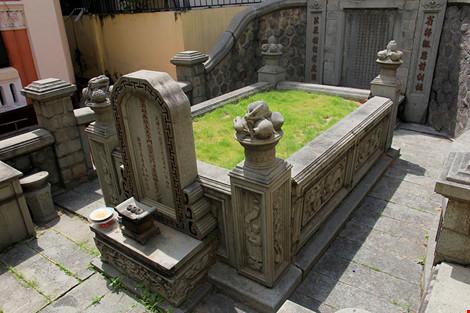 Choáng ngợp khu mộ cổ của bá hộ giàu nhất Sài Gòn xưa - 19