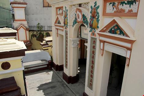 Choáng ngợp khu mộ cổ của bá hộ giàu nhất Sài Gòn xưa - 3