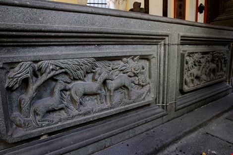 Choáng ngợp khu mộ cổ của bá hộ giàu nhất Sài Gòn xưa - 8