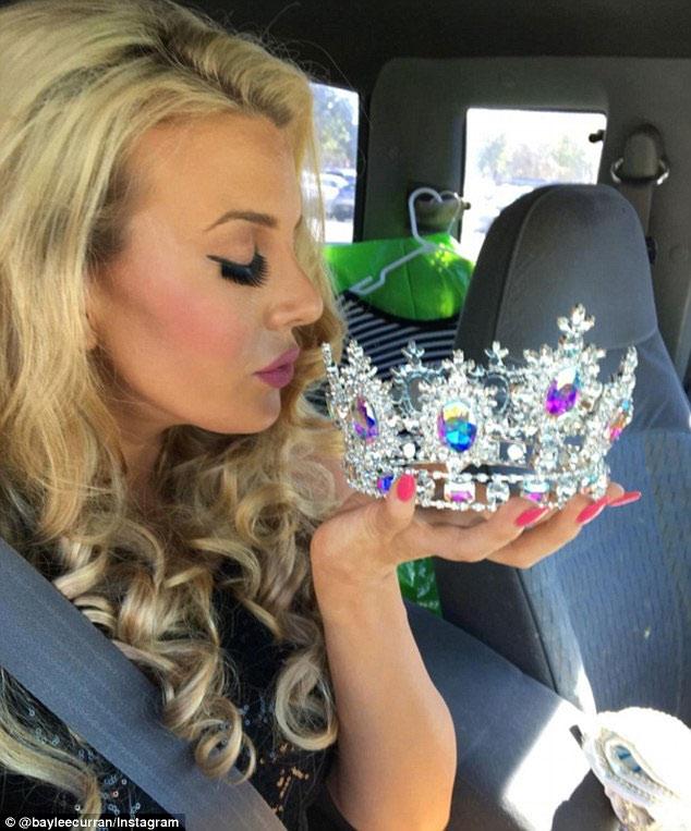 Cựu hoa hậu California từng mất vương miện vì ảnh nóng - 4