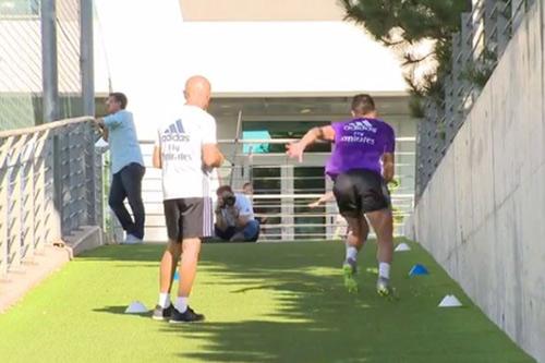 """Ronaldo tập chạy như """"điên"""", hẹn tái xuất tuần sau - 2"""