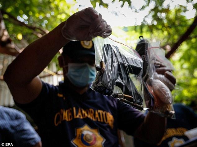 Philippines: Mỗi ngày hành quyết 40 người không cần xử - 2