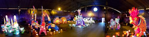 Ngắm lồng đèn hình muông thú khổng lồ ở Sài Gòn - 1