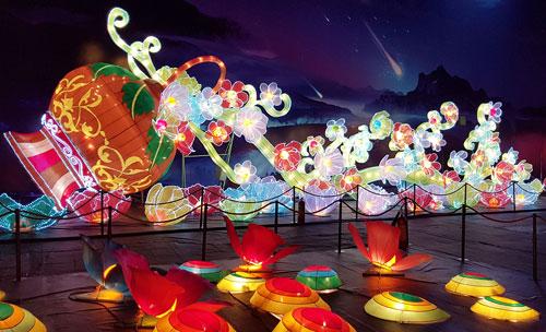 Ngắm lồng đèn hình muông thú khổng lồ ở Sài Gòn - 13