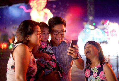 Ngắm lồng đèn hình muông thú khổng lồ ở Sài Gòn - 19
