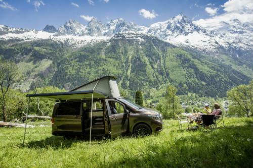 Mercedes ra loạt xe cắm trại mới cho nhà giàu - 13