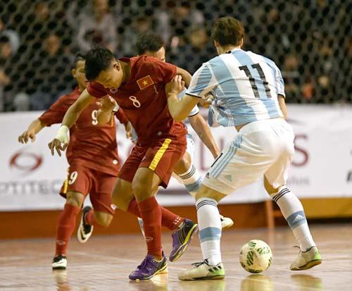 Tuyển futsal Việt Nam thua ngược Argentina - 4