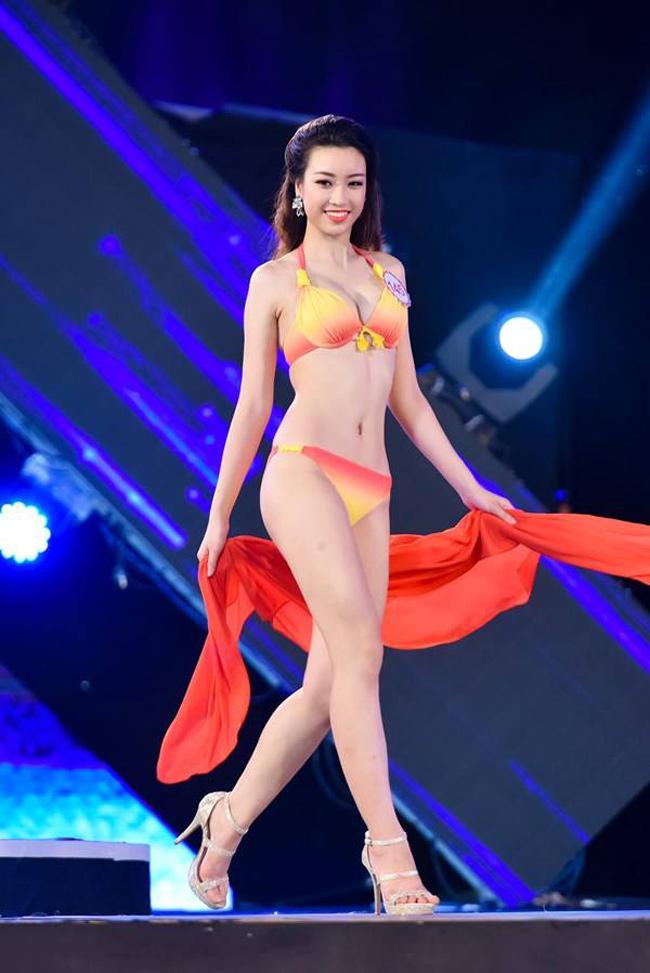 Hình thể đẹp và câu trả lời ứng xử thông minh giúp người đẹp sinh năm 1996 giành ngôi vị cao nhất. Cô từng lọt top 15 và được đánh giá là thí sinh có số đo chuẩn nhất tại Hoa hậu Việt Nam năm nay.