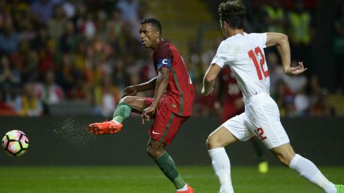 Bồ Đào Nha - Gibraltar: Uy lực nhà vô địch - 1