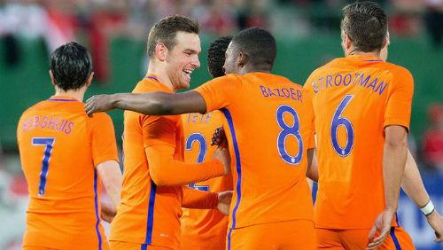 Hà Lan - Hy Lạp: Cú sốc trên sân nhà - 1