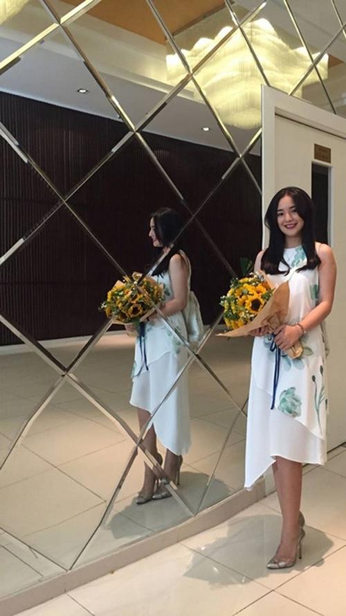 Vợ Duy Nhân lại mặc váy cưới khiến dân mạng nháo nhào - 7