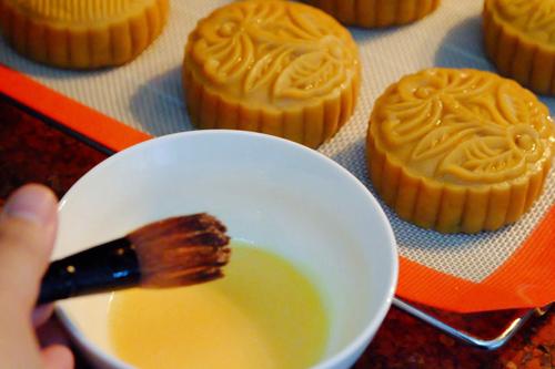 Cách làm bánh Trung thu thập cẩm ngon và đơn giản nhất - 6