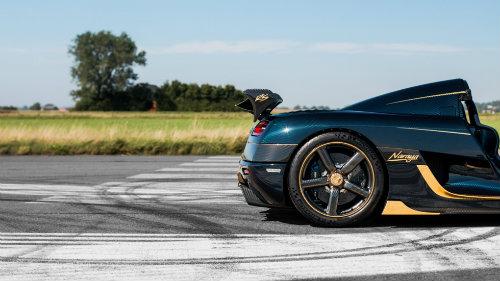 Phát sốt với Koenigsegg Agera RS Naraya mạ vàng, đính kim cương - 3