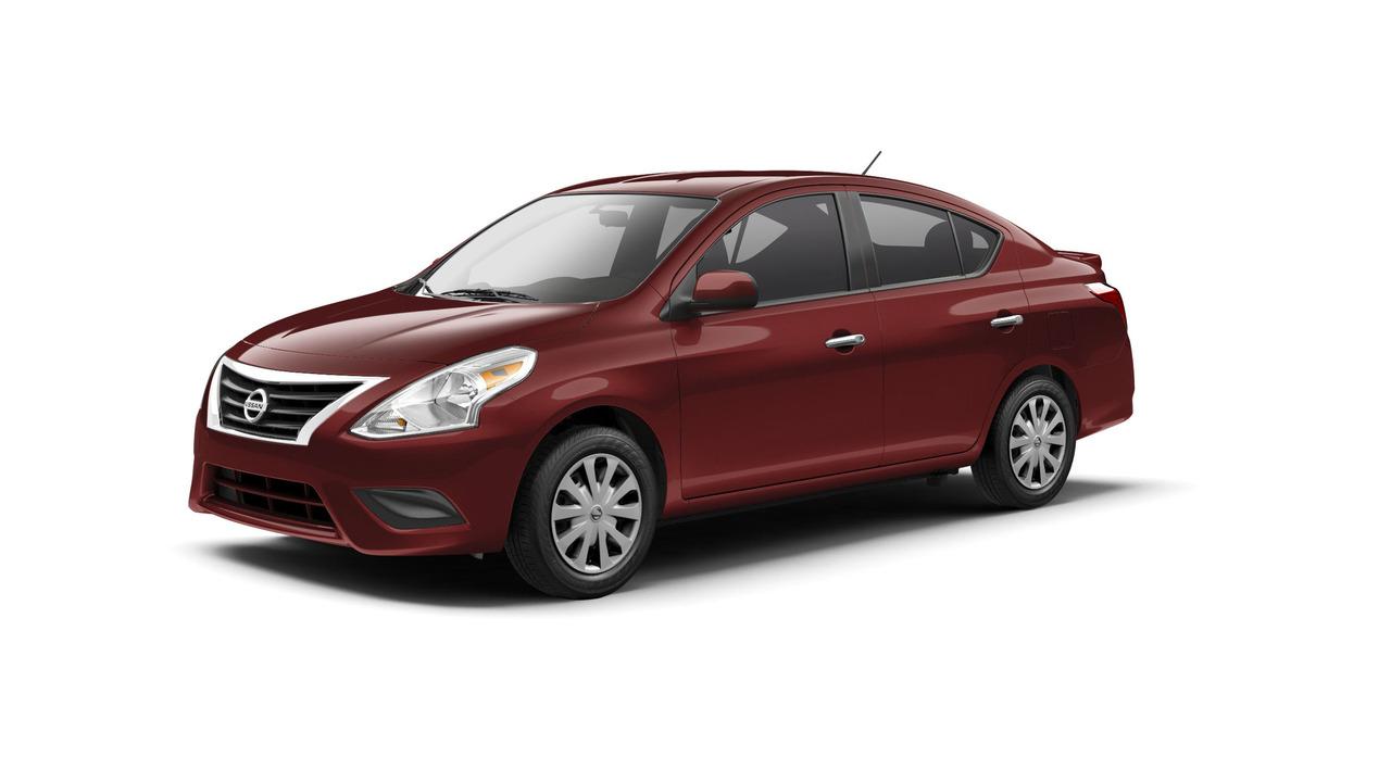 Nissan Versa Sedan 2017 có giá khởi điểm 12.825 USD - 2