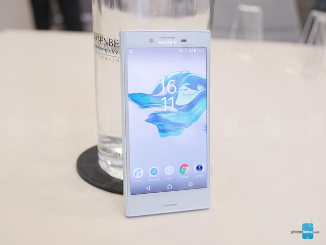 Hãng điện thoại Nhật Bản vừa chính thức công bố mẫu smartphone mới là & nbsp;Sony Xperia X Compact tại IFA 2016 đang diễn ra ở Đức. Nó được xem là phiên bản kế nhiệm của chiếc Xperia Z5 Compact (ra mắt tại IFA 2015).
