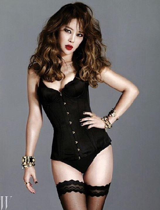 Bất ngờ với lần đầu gợi cảm của nữ hoàng nhạc phim Hàn - 4