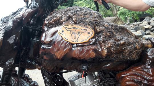 Độc đáo: Chiếc mô tô bằng gỗ độc nhất vô nhị ở Lâm Đồng - 6