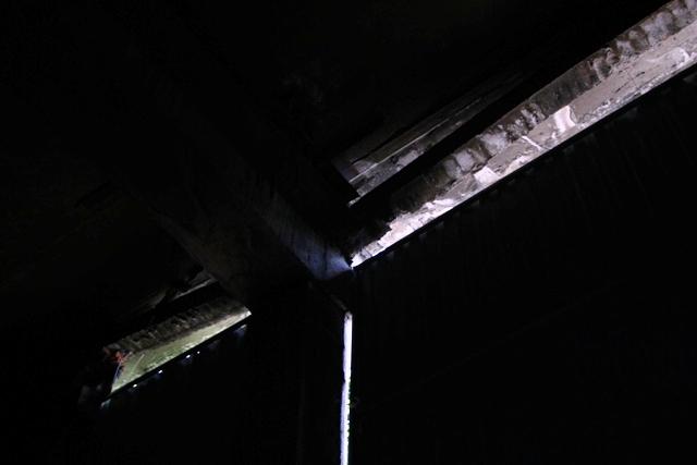 Sau 10 năm khánh thành, gầm cầu tiền tỷ nứt toác, đổ sập - 6