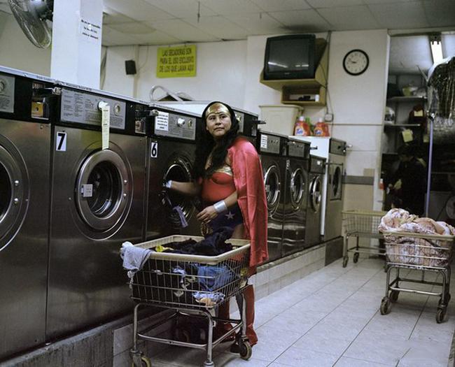""""""" Siêu nhân """"  cũng phải giặt quần áo như người thường thôi."""