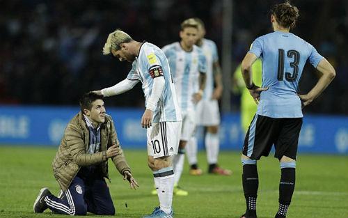Neymar trả băng đội trưởng, Messi thì sao? - 2