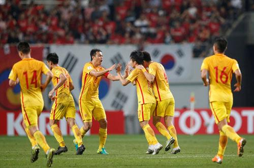 """Báo chí Trung Quốc """"nổ"""" tưng bừng về tham vọng World Cup - 1"""