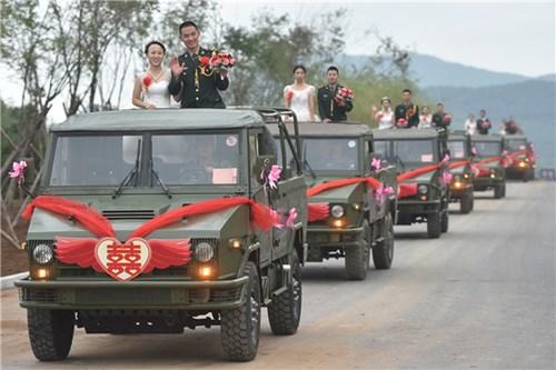 TQ: Xôn xao đám cưới rước dâu bằng xe quân sự - 2