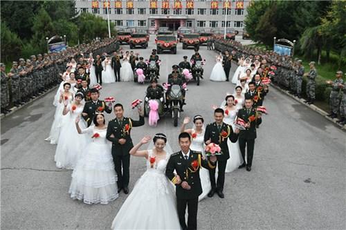TQ: Xôn xao đám cưới rước dâu bằng xe quân sự - 3