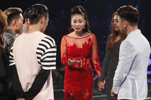 """Thu Minh """"mắng"""" thí sinh Vietnam Idol ngay trên sân khấu - 1"""