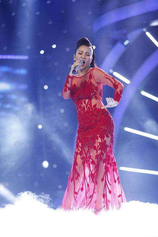 """Thu Minh """"mắng"""" thí sinh Vietnam Idol ngay trên sân khấu - 10"""