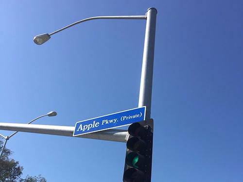 Tòa nhà Apple Campus 2 đang được lắp tấm năng lượng mặt trời - 8