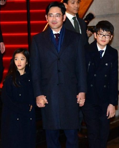 Dân mạng phát sốt vì cháu gái tỷ phú giàu nhất Hàn - 2