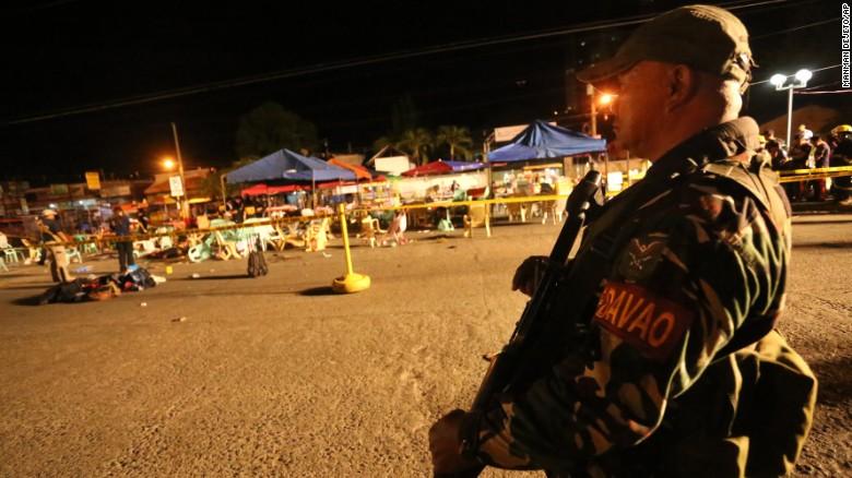 TT Philippines ra lệnh quân đội sẵn sàng sau vụ khủng bố - 2