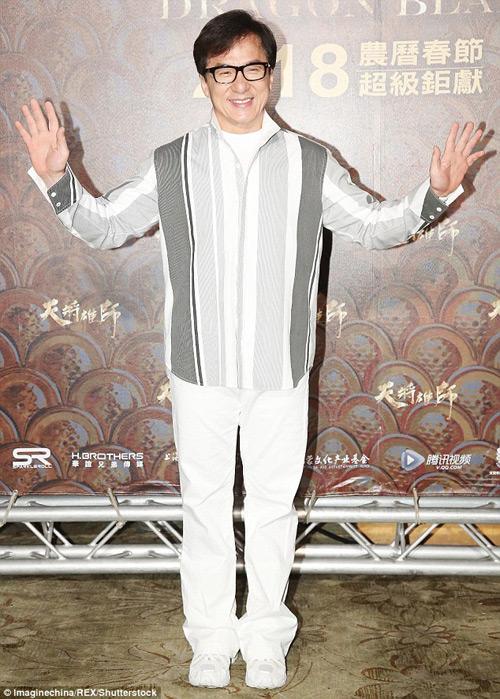 Thành Long bất ngờ nhận được giải thưởng cao quý ở tuổi 62 - 1