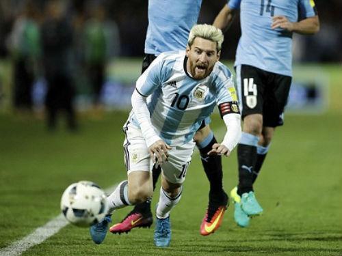 29 tuổi, Messi háo thắng chẳng thua gì Ronaldo - 1