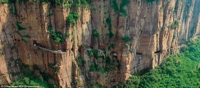 Ngôi làng trên núi cao 1.700m biệt lập nhất thế giới - 3