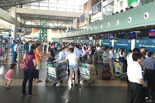 Sân bay Nội Bài sẽ chỉ phát loa thông báo thông tin 1 lần - 1