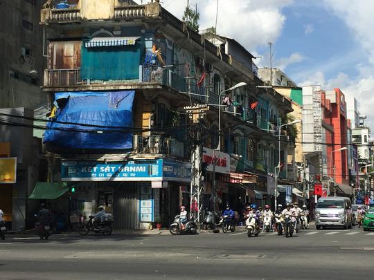 Đề nghị di dời khẩn cấp cư dân sống chung cư cổ khu Chợ Lớn - 2