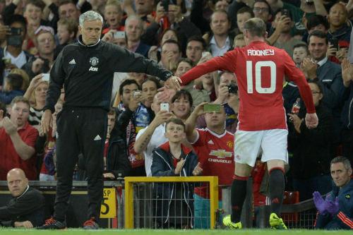 """MU: Mourinho sẽ có """"lãi"""" nếu kiên trì với Rooney - 1"""