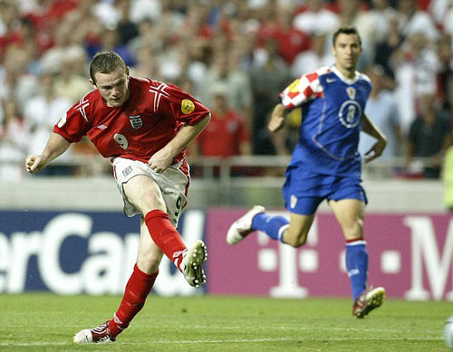 Rooney, 13 năm đi vào huyền thoại tuyển Anh - 3