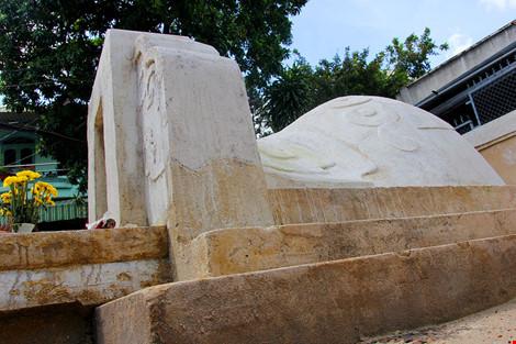 Mộ cổ khang trang của vị tiền hiền sáng lập chợ Thủ Đức - 5