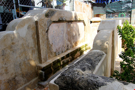 Mộ cổ khang trang của vị tiền hiền sáng lập chợ Thủ Đức - 7