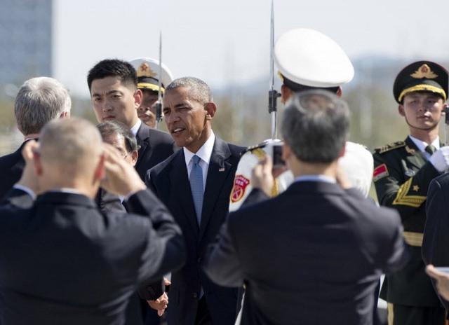 """TQ """"chơi khăm"""" Obama, không cấp xe thang xuống máy bay? - 3"""