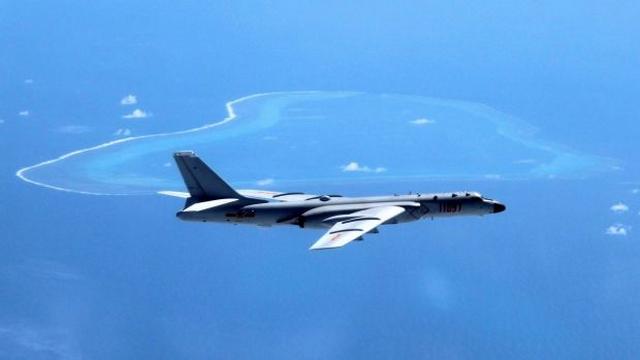 Úc lo bị máy bay ném bom Trung Quốc ở Biển Đông tấn công - 2