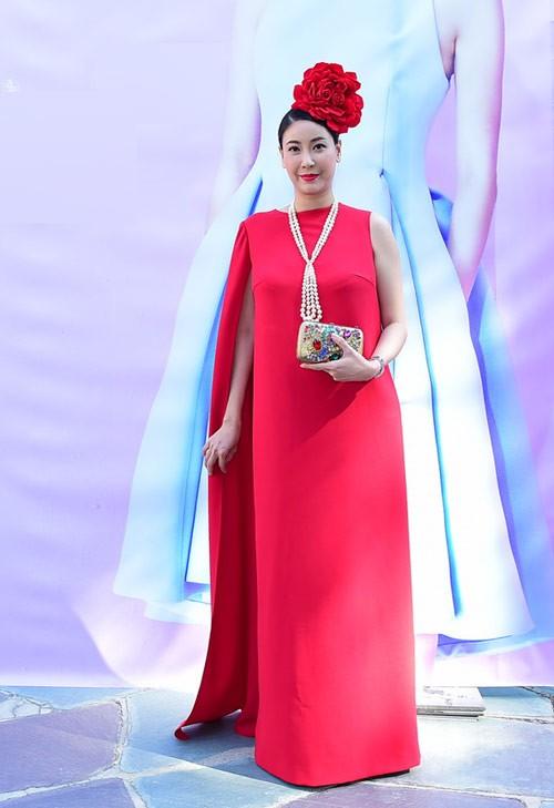 Hà Kiều Anh mặc sexy, diêm dúa bất chấp tuổi 40 - 7