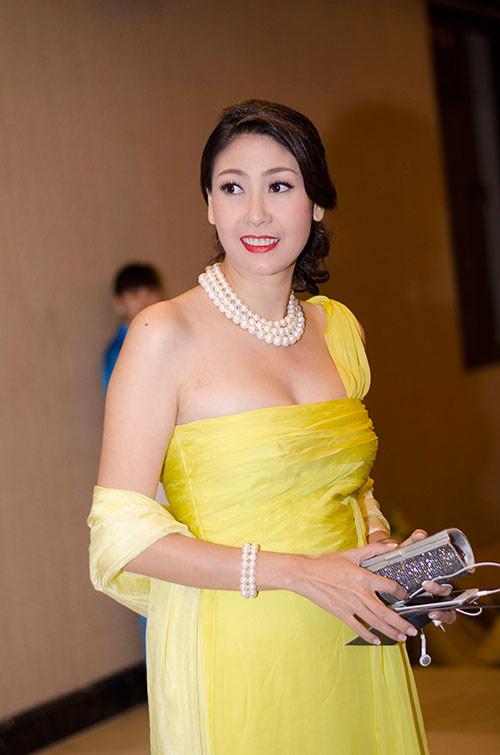 Hà Kiều Anh mặc sexy, diêm dúa bất chấp tuổi 40 - 9