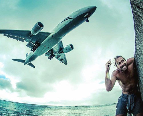 """Chàng trai gây """"sốt"""" với bức ảnh tự sướng với cá voi - 5"""