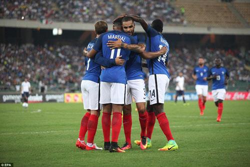 """ĐT Pháp """"thay máu"""" triệt để: Pogba là hạt nhân số 1 - 2"""