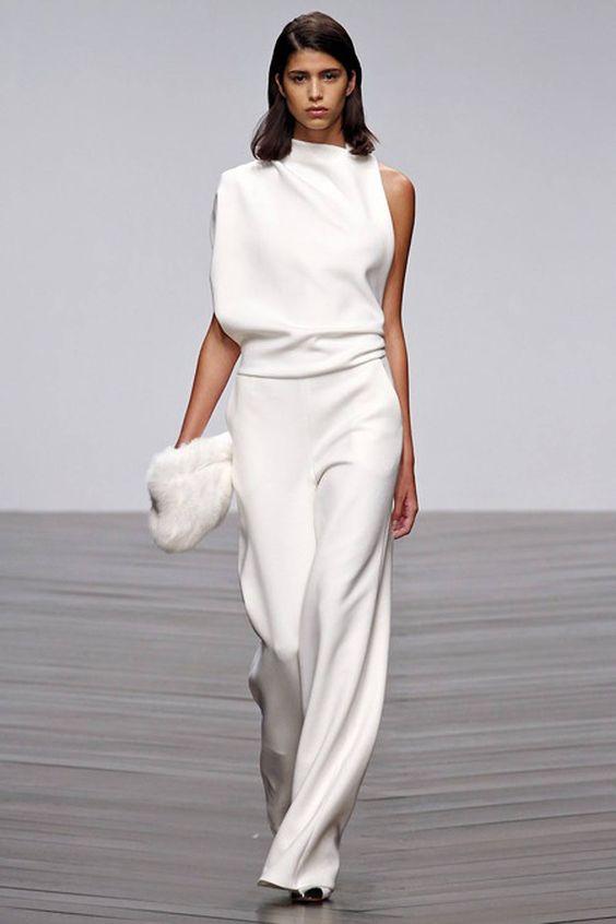 Mặc đồ trắng chuẩn-không-cần-chỉnh như các sao - 1