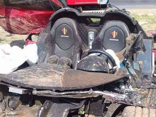 Koenigsegg CCX giá 30 tỷ đồng nát vụn khi gặp nạn - 4