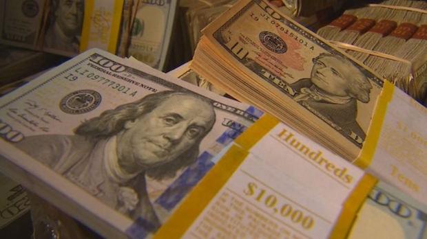 Mỹ: Viết sách hướng dẫn giả chết lừa bảo hiểm, trốn nợ! - 4